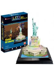 Статуя Свободы с иллюминацией